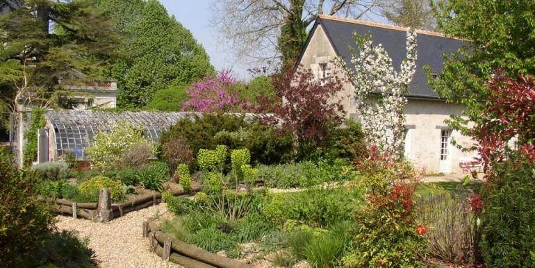 Petit jardin fleuri toute l annee aulnay sous bois 2732 - Jardin zen maison aulnay sous bois ...