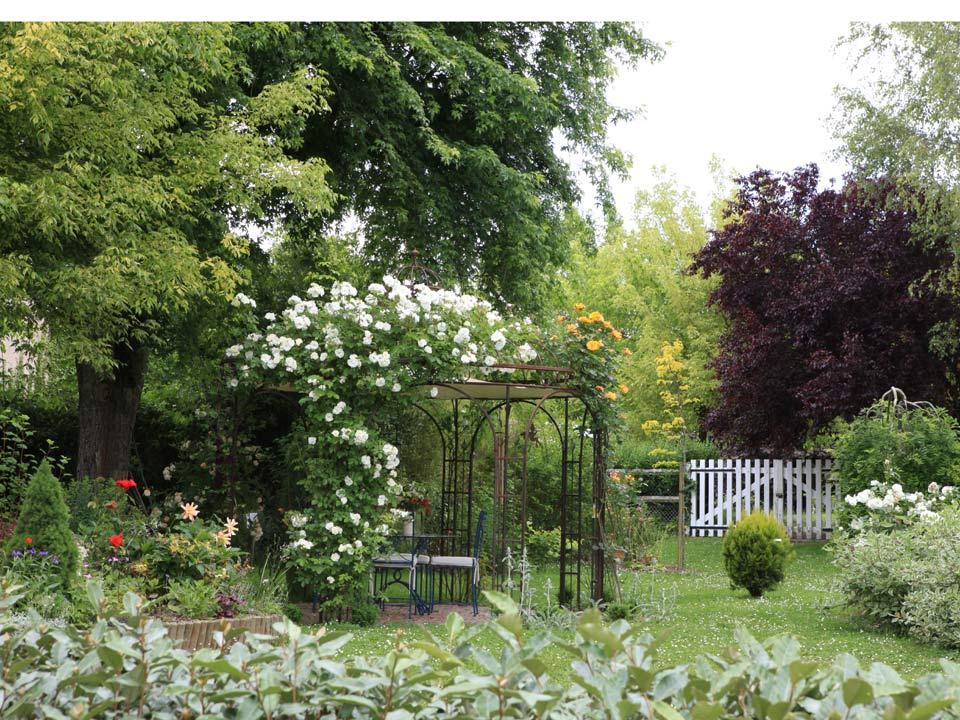 Manoir du rouvre guest and garden for Jardin secret 2015